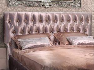 Перетяжка изголовья кровати в Пскове